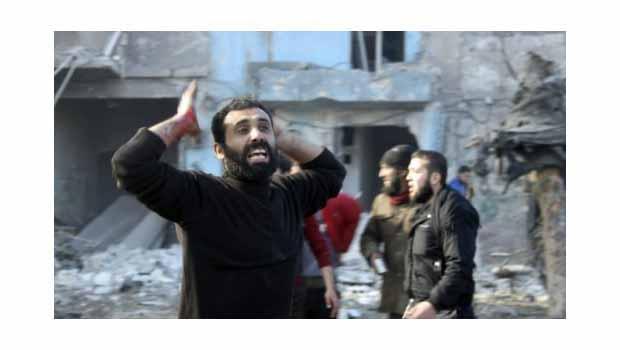 Suriye: Helikopterler Halep'e TNT dolu variller attı