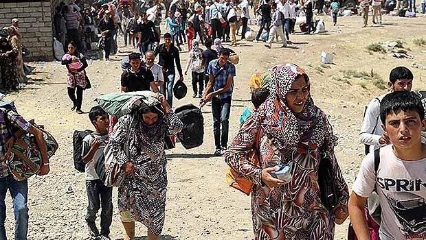 Suriyeli Kürtler göç yolunda