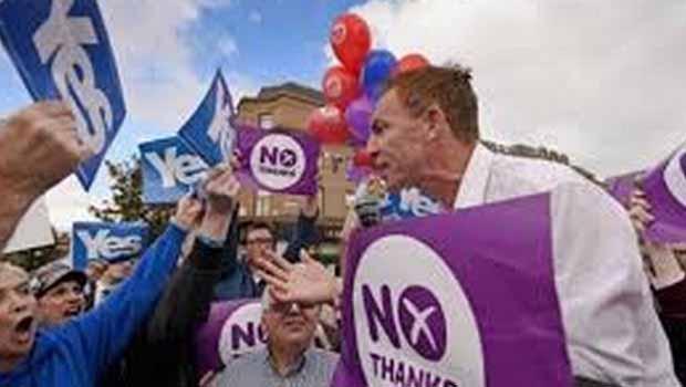 İskoçya'da 'evet' ve 'hayır' oyları başa baş gidiyor