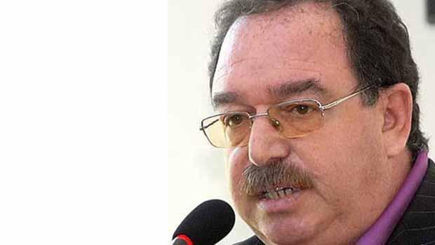 Hatip Dicle: Bölgede Kürtçeyi yaşama geçiyoruz