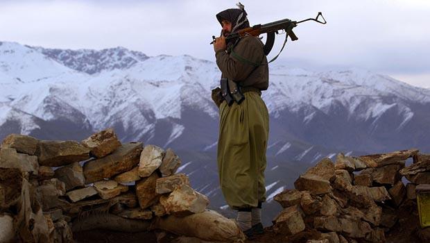 Kürtlerden silahlarını bırakmalarını istemek düşmanlık değilse ahmaklıktır