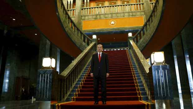 Guardian: Türkiye kavşak noktasında