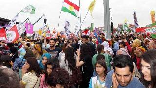 Batı'da Demokrasi, Doğu'da Kürdistan Kazanacak