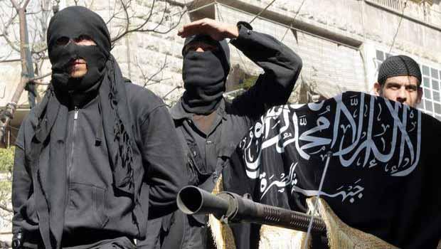 El Nusra, IŞİD'e karşı savaşmayan 30 savaşçısını ihraç etti
