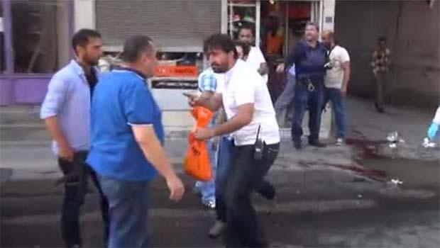 Diyarbakır'da Silahlı Saldırı: 2 Polis Ağır Yaralı