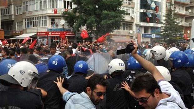 Kırşehir'de HDP binasına saldırı