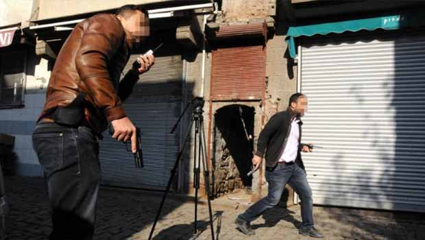 Tahir Elçi cinayetinde bir polis silahını teslim etmedi
