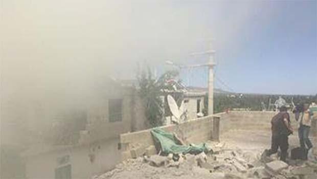 Kilis'e 3 roket atar mermisi düştü, bir evde yangın çıktı!