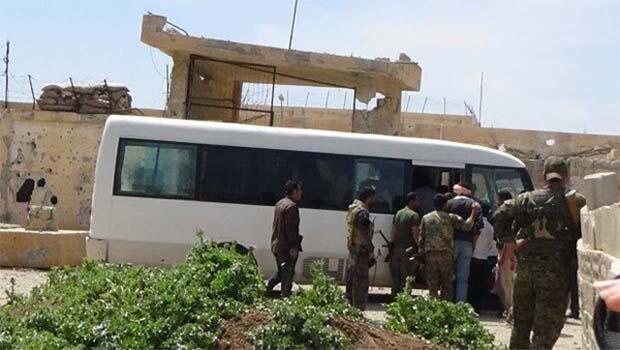 40 rejim askeri YPG'ye teslim oldu