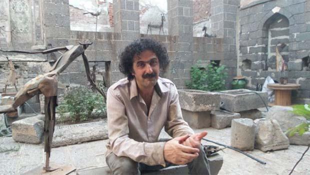 Doğu Kürdistan'lı heykeltraş Sur mağduru