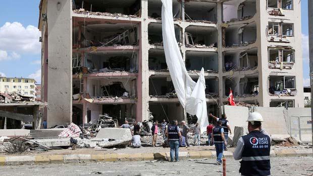 Midyat'ta bombalı saldırının ardından flaş karar