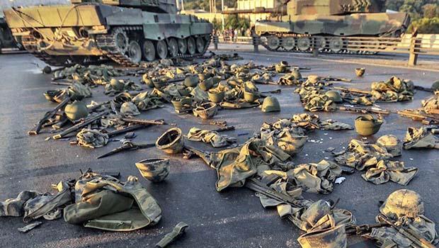 Fotoğraflarla teslim olan Türk askerleri