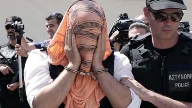 Yunanistan'a kaçan askerlere hapis cezası