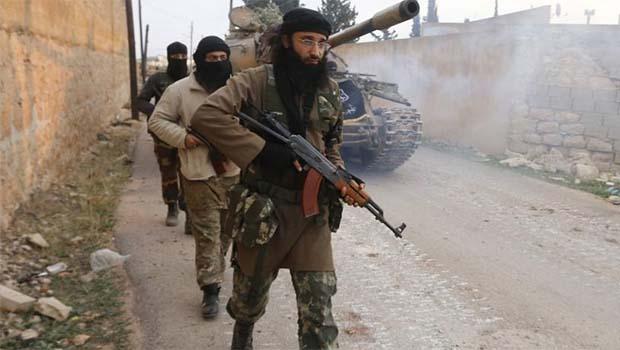 El Nusra'dan flaş açıklama: Silahları doğrudan ABD'den alıyoruz