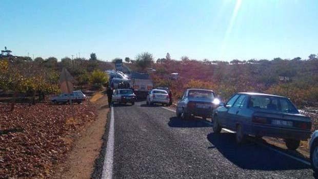 Urfa'da ticari araçla minibüs çarpıştı