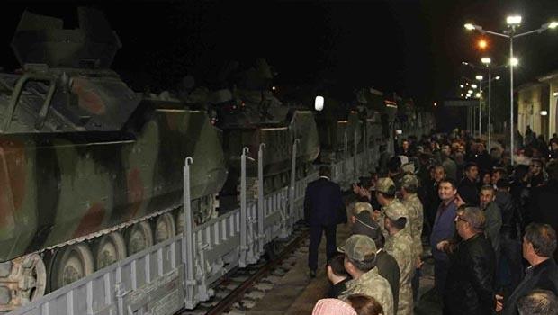 Çankırı'dan Silopi'ye Vagonlar Dolusu Zırhlı Araç ve Asker Sevkedildi