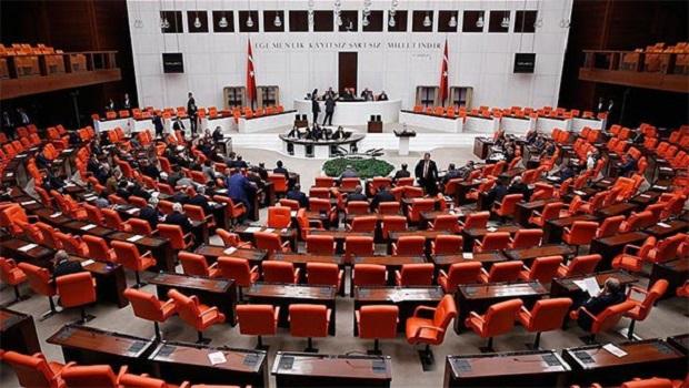 Anayasa değişikliği teklifinin son maddesi de kabul edildi