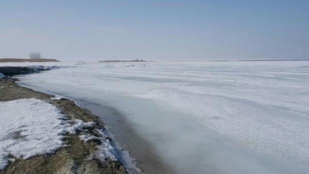 Van Gölü aşırı soğuklardan dolayı dondu