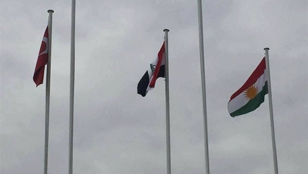 Türkiye'de dalgalanan Kürdistan bayrağı, İran medyasının manşetlerinde