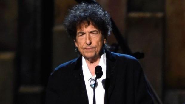 Kağızman'lı Bob Dylan ödülünü aldı
