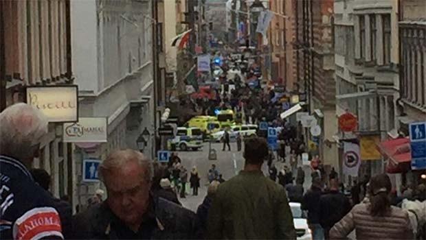 İsveç'te kamyonlu saldırı: Çok sayıda ölü ve yaralı var