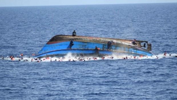 Sığınmacı botu battı! 100 kişi kayıp!