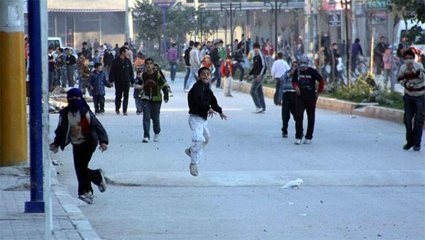 AİHM'den 'taş atan çocuklar' için emsal karar