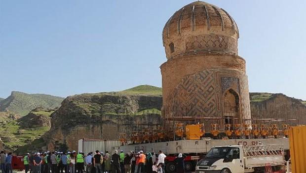 Hasankeyf'te 650 yıllık türbe taşınıyor!