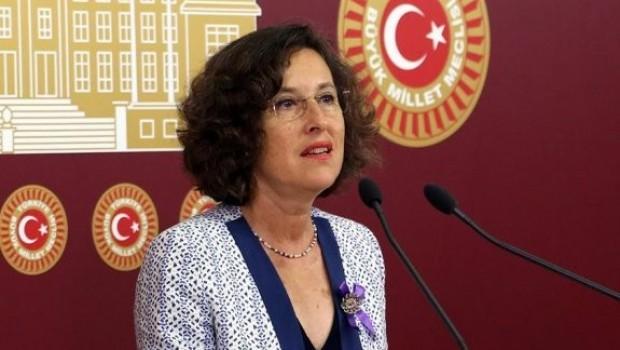 HDP'li Eş Başkan adayı Filiz Kerestecioğlu Atatürk'e sahip çıktı