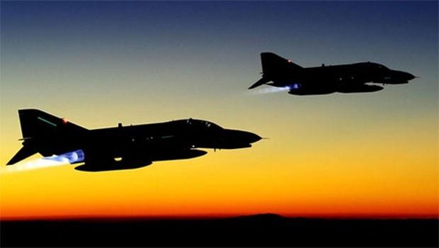 TSK'dan Duhok'un köylerine bombardıman