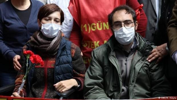 Açlık grevindeki Gülmen ve Özakça için 20'şer yıl hapis talebi