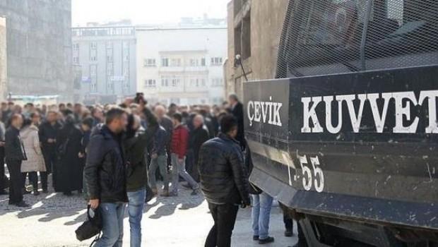 Van'da gösteri ve yürüyüşlere 1 ay yasak