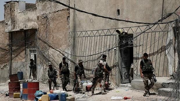 Ablukaya alınan IŞİD'den, Musul'da katliam! Onlarca ölü var...