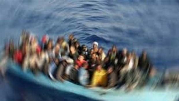 Akdeniz'de göçmen teknesi battı: 100 kişi kayıp