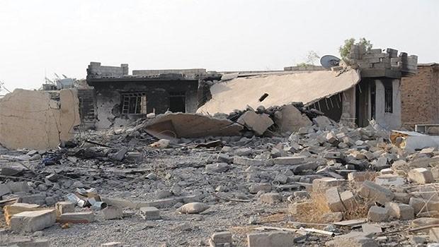 Musul'da 'Kürt ailenin evi' yanlış bombardıman kurbanı