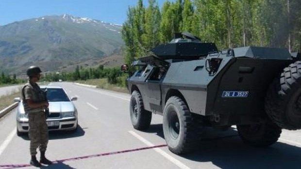 Erzincan'da askeri konvoy geçişi sırasında infilak!