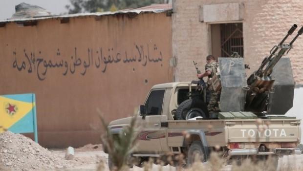 YPG, Esad Rejimi askerlerini tutukladı!