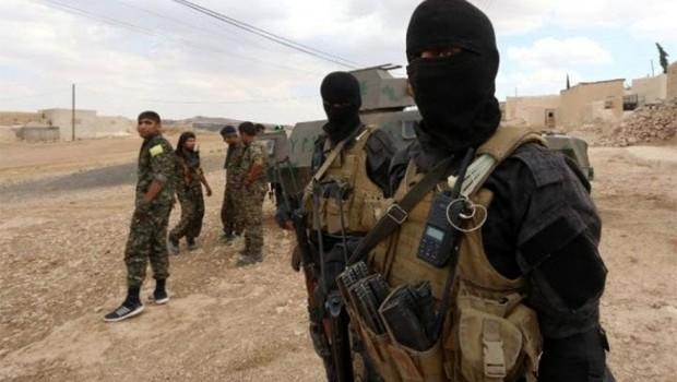 QSD savaşçıları 2 IŞİD'liyi infaz etti!