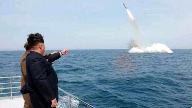 Kuzey Kore'ye tehdidine karşı Japonya ve Güney Kore'den hazırız cevabı