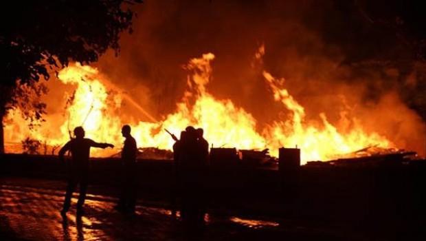 Bingöl'de yangın: Şehrin her yerinden göründü... Yaralılar var