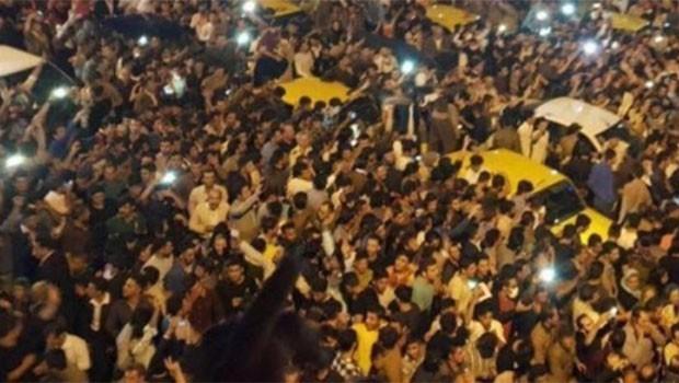 Doğu Kürdistan'da onbinler Bağımsızlık Referandumunu sokakta kutladı