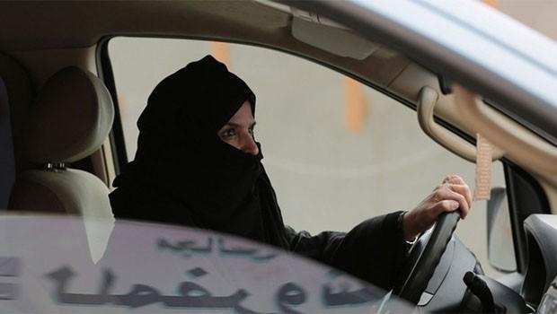 Suudi Arabistan'dan 'kadın açılımı' sürüyor!