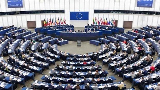 Avrupa Parlamentosu'nda 'deprem' eleştirisi!