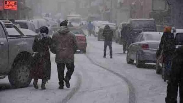 Ardahan'da hava sıcaklığı eksi 17 dereceyi gördü!