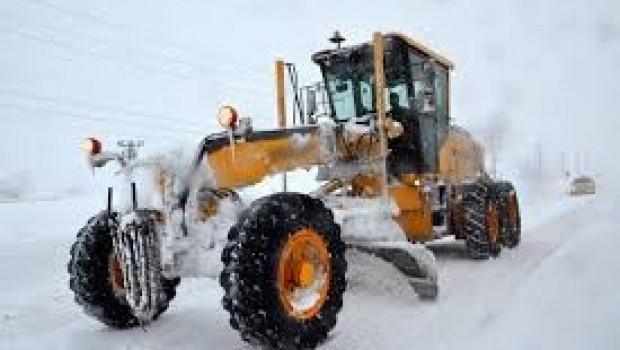 Bitlis'te Kar nedeniyle köy yolları ulaşıma kapandı