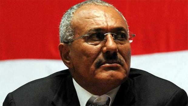 Eski Yemen Cumhurbaşkanı öldürüldü.. Sivillere Sana'yı terk etme çağrısı!