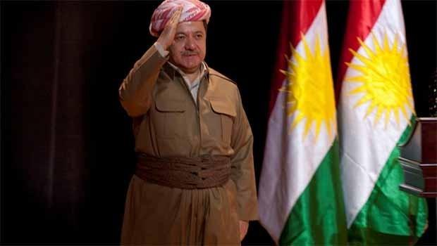 Başkan Barzani, Kürdistan Bayrağı Günü'nü Peşmergeyle birlikte kutladı