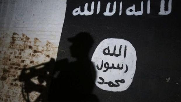 Times: IŞİD'e katılan 300 cihatçı Türkiye'de saklanıyor