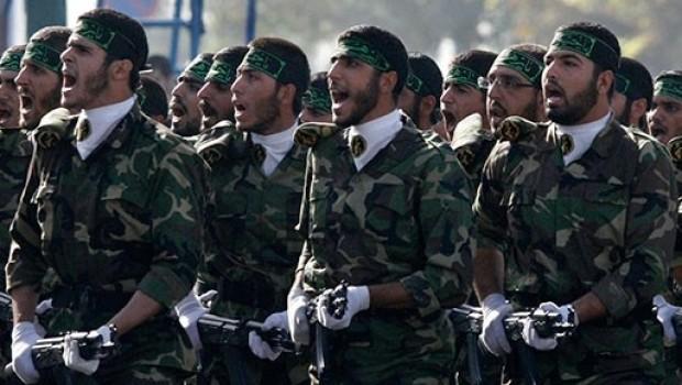 İran Devrim muhafızları protestoya katılan Halkı tehdit etti