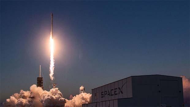 SpaceX'ten uzaya sır roket: Ne taşıdığı nereye gittiği bilinmiyor..